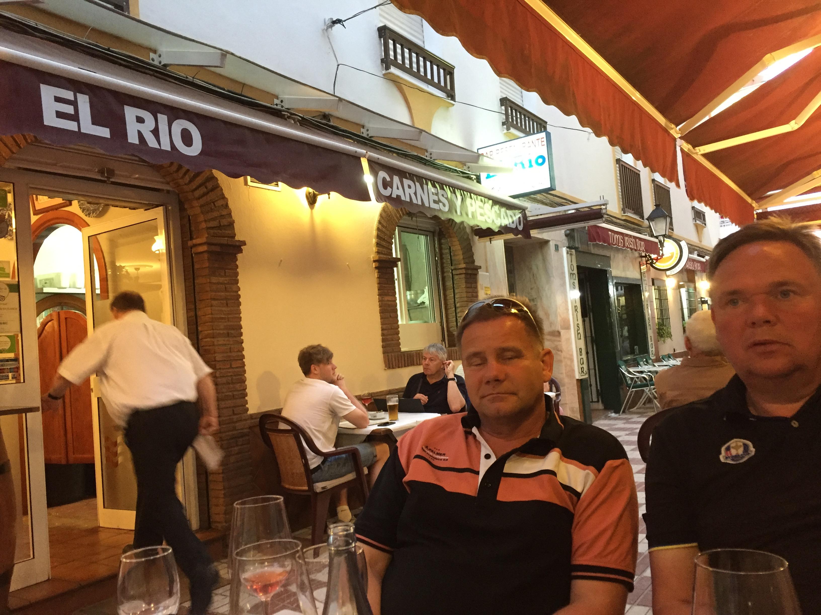 IMG_7392 SPISER PÅ EL RIO