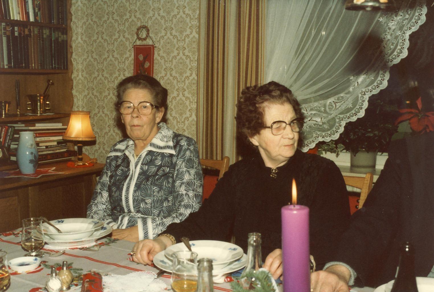 Scan11163 ELSE OG ELLEN JULEAFTEN 1982