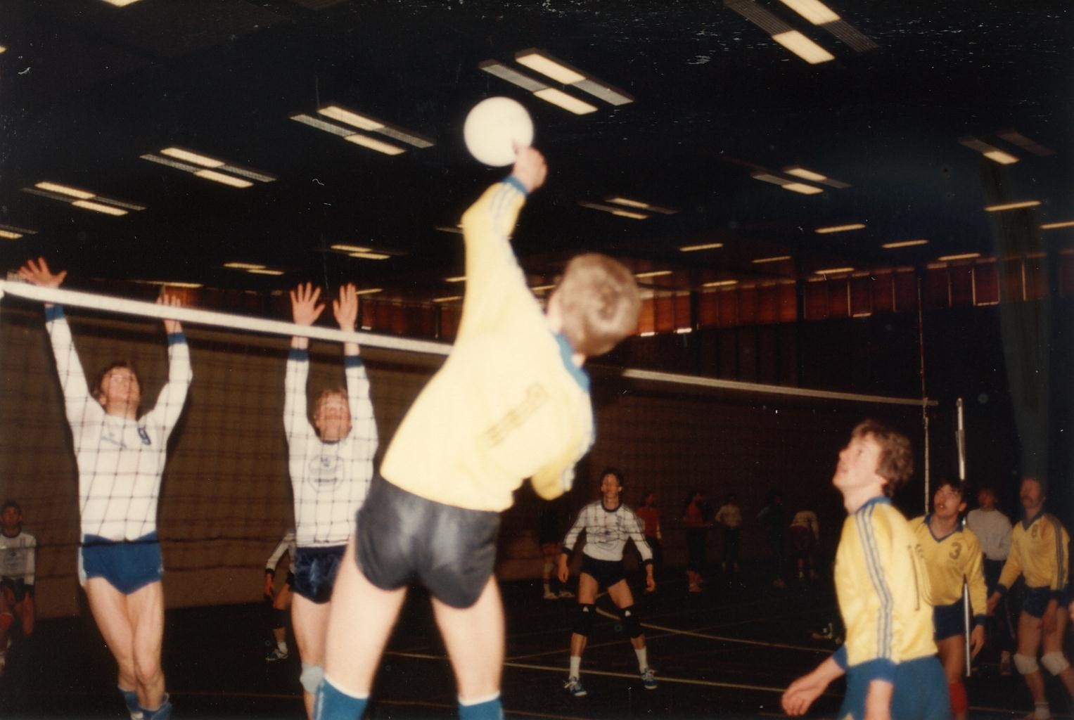 Scan11185 VOLLEY 21-23-05-1983