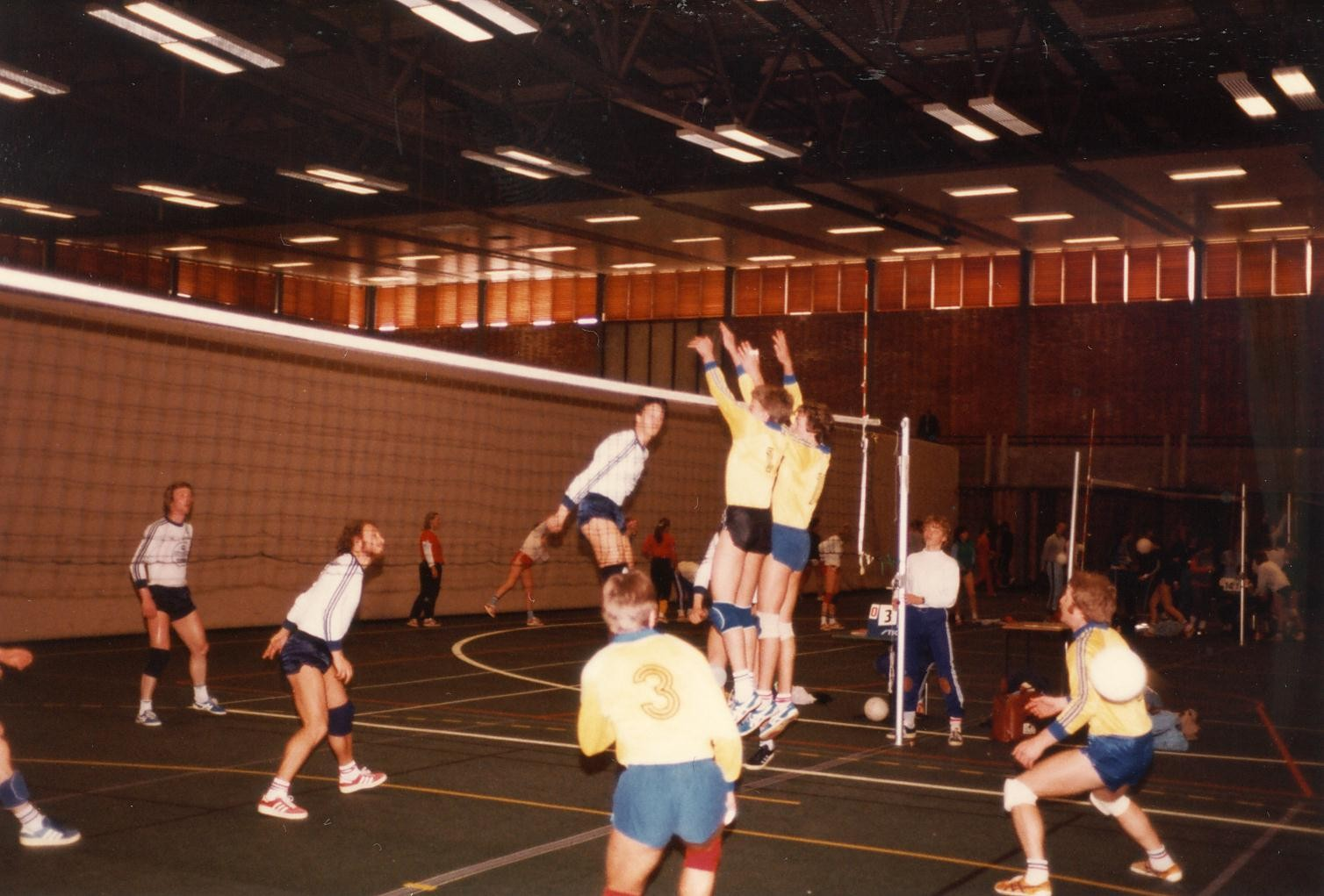 Scan11186 VOLLEY 21-23-05-1983