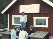 Scan12254 JOHN FORTÆLLER 09-05-1986