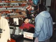Scan12165 LENE VED KASSEN 04-02-1986
