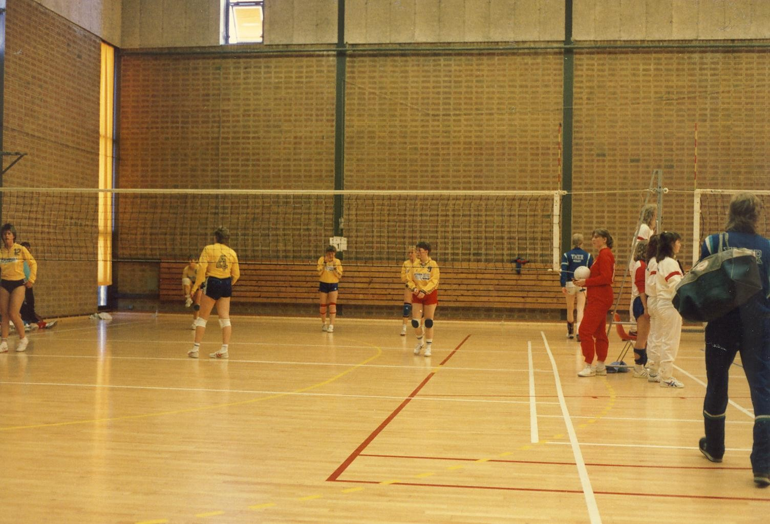 Scan12967 VOLLEY I SVERIGE 07-05-88