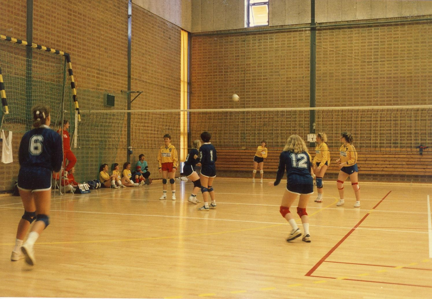 Scan12968 VOLLEY I SVERIGE 07-05-88