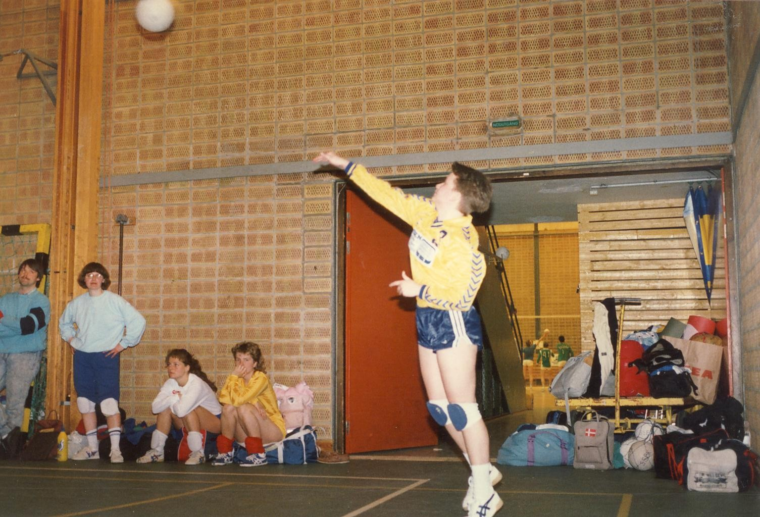Scan12974 VOLLEY I SVERIGE 07-05-88