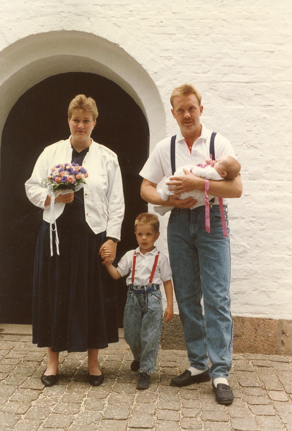 Scan13012 FAMILIEN KRAGH NIELSEN 25-06-88