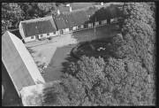 GAMLE BILLEDER AAL_BL04-A1_066_006 ÅR 1952 GL PRÆSTEGÅRD